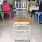 transparent chiavari chairs