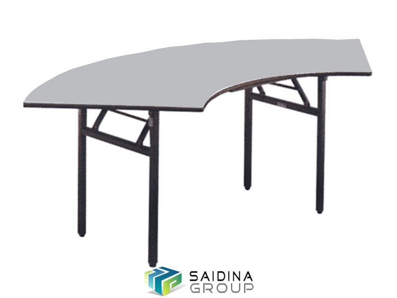 Crescent banquet tables