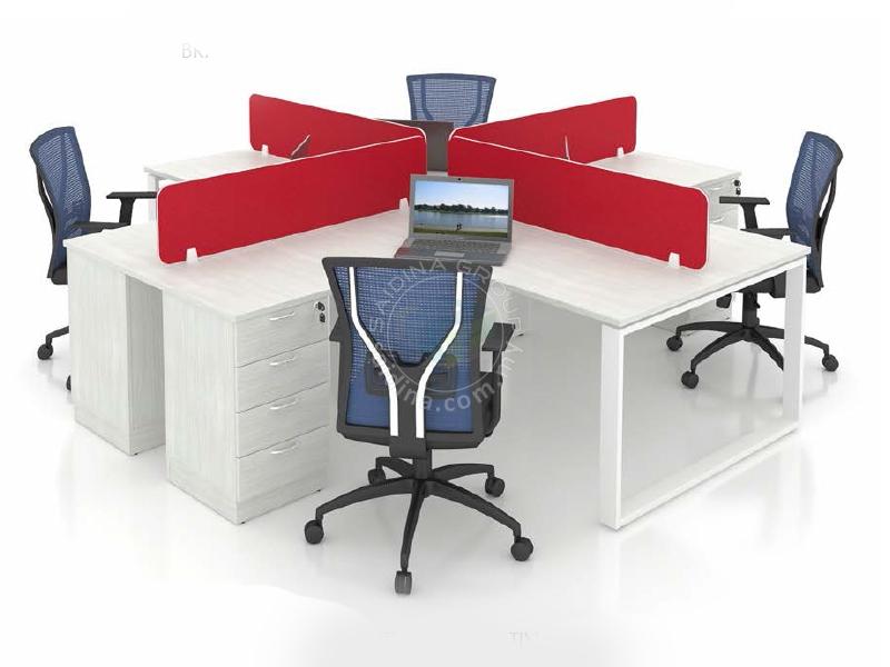 Workstation cluster of 4